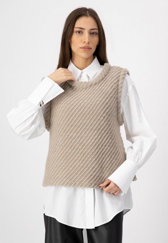 Ärmelloser Pullover aus Materialmix von LOUIS and MIA