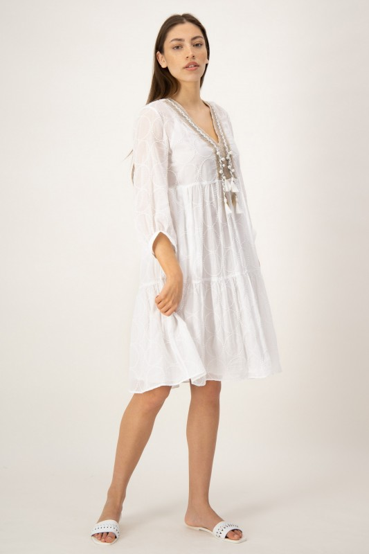 Besticktes Kleid in Weiß