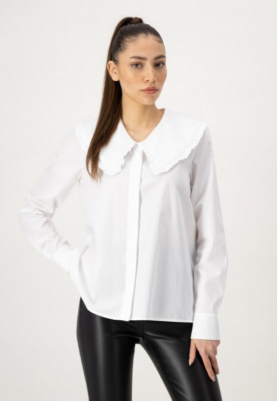 Weiße Bluse mit großem Kragen und verdeckter Knopfleiste von LOUIS and MIA