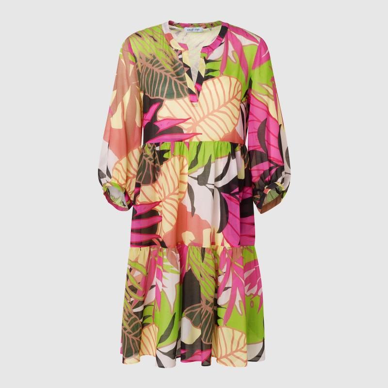 Volantkleid mit V-Ausschnitt und floralem All Over Print mit Pink, Grün und Beige von LOUIS and MIA