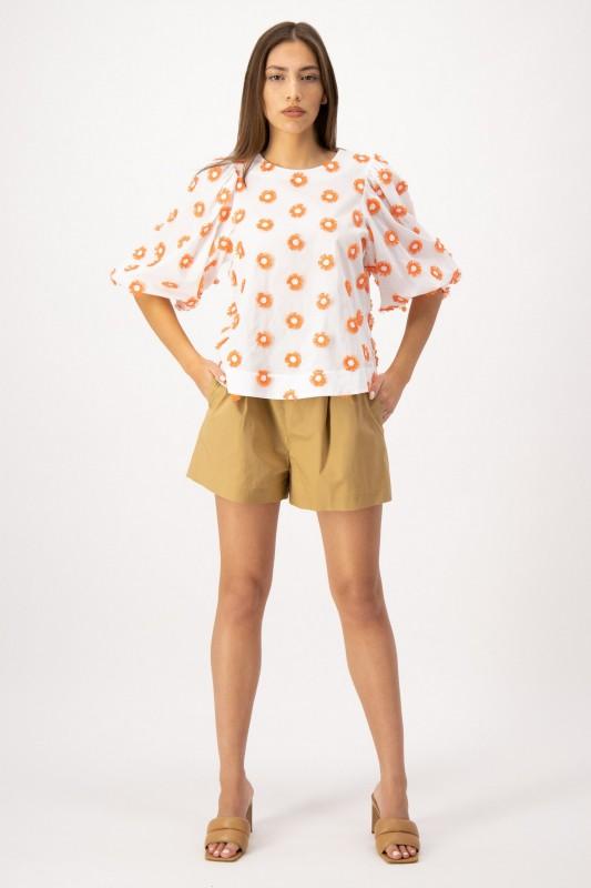 Bluse mit Puffärmeln und Stickerei von LOUIS and MIA