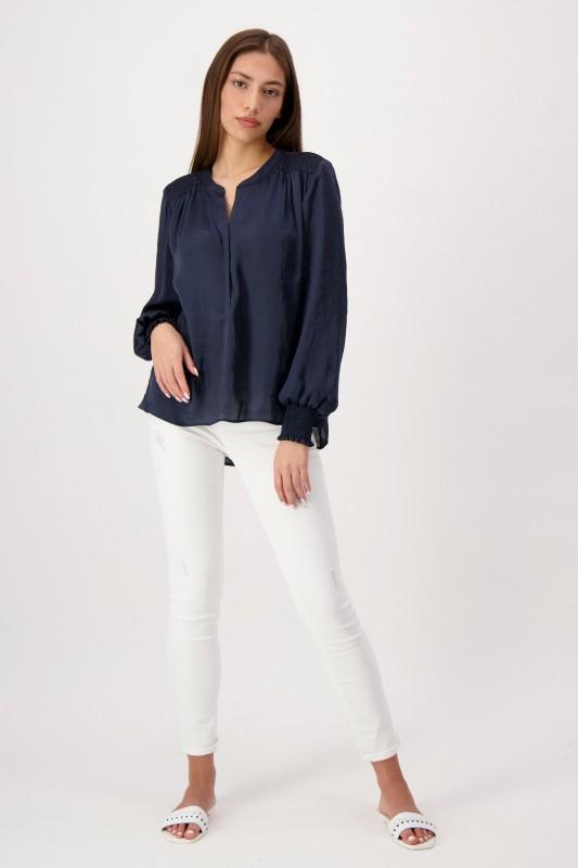 Elegante dunkelblaue Satin-Bluse mit V-Ausschnitt und Raffung an Schultern und Manschetten von LOUIS and MIA